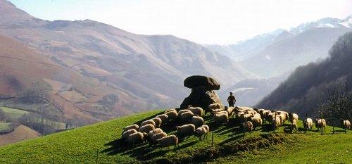 dolmen monument funeraire